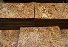 Korkbelegget er ferdig, her i sitt naturlige utseende - Cork-O-Floor.