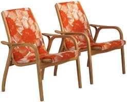 Tradisjonell klassisk svensk design, men i dagens farge og mønster på møbelstoffet (Fra Swedese)