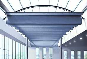 Moderne teknikk og elegant design: Blending i offentlig miljø, en motorisert avansert solavskjermer på 5 x 12 meter.