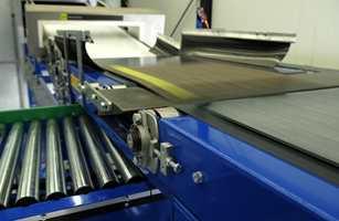 Nyutviklet teknologi sørger for at hele teppeflisen kan resirkuleres.