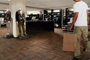 Top Tile Antique Cestnut er en stilfull variant for butikkmiljø.