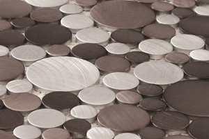 Knappmosaikk med metallutførelse er populært.