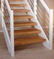 <b>MULIGHETER:</b> Ulike overflatebehandlinger, opptrinn, bakkantlister – det er mange muligheter med trappefornyer, alt etter hva du trenger.