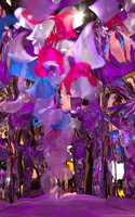 <b>ESCAPE REALITY:</b> Her er det flytende overganger uten klaregrenser mellom virkelighet, speilbilder og vrengebilder: surrealistisk!