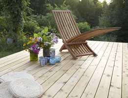 Trykkimpregnert treverk er vanlig både som kledning og utsatte områder som terrassegulv.