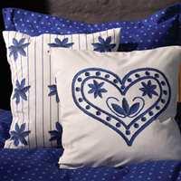 Happy bomull sengesett med Happy Stjerne og Happy Hjerte-pute