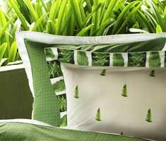 Trykkene på sengetøyet gir assosiasjoner til sydenlanske øyer og tropisk natur. <br/><a href='https://www.ifi.no//ny-var-i-sengen'>Klikk her for å åpne artikkelen: Ny vår i sengen</a>