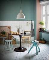 <b>MATT:</b> Med matte malinger får du en fin farge og et delikat uttrykk. Mange matte malinger gir en avtørkbar overflate.