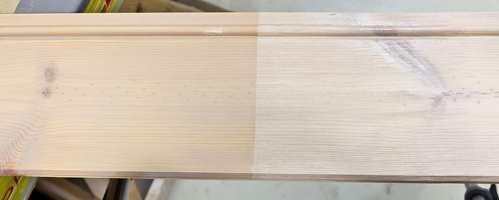<b>OPPSTRØKSPRØVE: </b>Spar på noen avkappede plankestumper når du setter opp treverk inne. Bruk så disse til å lage egne oppstrøksprøver. Da får du eksakt forvarsel av resultatet av behandlingen.