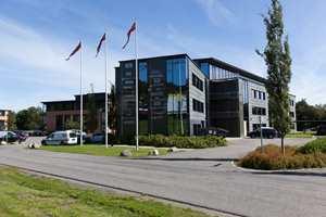 I sommer flyttet Uzin Utz Group Norge inn i nye, fine lokaler i et ekspansivt næringslivområde ved Numedalslågen i Larvik.