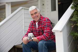 Den som eget hus eller hytte har alltid noe å finne på. Men velg vedlikeholdsoppgave etter værforholdene!