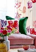 <b>FRISKE FARGER:</b> Friskt og vårlig med sterke, glade farger. Er dette sommerstemning for deg? Tekstilene er fra Sanderson sin kolleksjon Glasshouse, som føres av Intag.