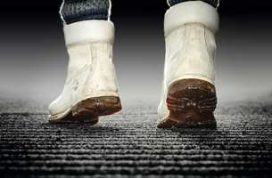 <b>RENE MATTER:</b> Dørmatter hører til ute og inne. Kanskje på tide å støvsuge disse også? (Foto: Forbo Flooring)