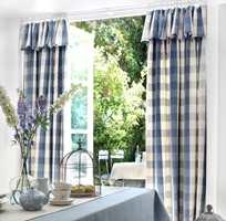<b>DE SMÅ TINGENE:</b> Å tørke av gardinstengene er smart om du vil få bort støvet hjemme. (Foto: Borge)
