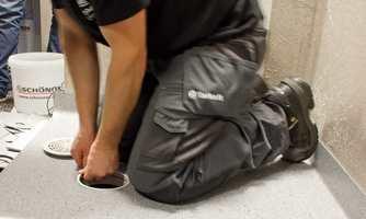 <b>KOMPETANSE: </b>Velg en erfaren og våtromsgodkjent håndverker til arbeider på badet. (Foto: Chera Westman/ifi.no)