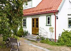 <b>VELHOLDT:</b> Det er hyggelig å komme hjem til et velholdt hus og en trivelig uteplass.