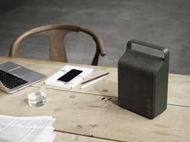 Bluetooth-høyttaleren Oslo fra danske Vifa kom i Pine Green i høst. – En farge med sterke referanser til den nordiske naturen med mørke furuskoger og lag av mose, het det i en pressemelding.