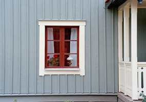 Hus med mange detaljer tåler ofte flere staffasjefarger.  Foto: Beckers
