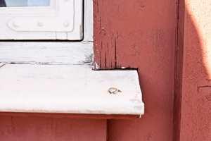 Noen steder på huset er mer utsatt for slitasje og skade enn andre. Her er fem detaljer du alltid bør undersøke før høsten kommer.