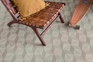 <b>3D:</b> «Cube Tile» har et grafisk, tredimensjonalt mønster og kommer i to ulike farger.