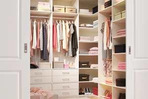 <b>GARDEROBE:</b> Oppbevaringssystemene fra Lundbergs gjør det enkelt å lage unike garderobeløsninger som passer til deg og ditt hjem.