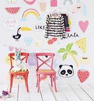 <b>FAVORITT:</b> Hvis favoritten er rosa, kan et tapet med rosa innslag på en vegg være løsningen. (Foto: Storeys)