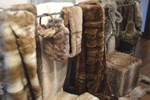 «Winter Home Collection» fra INTAG «Winter Home» har pelsimitasjoner i materialer som nesten oppleves som ekte.