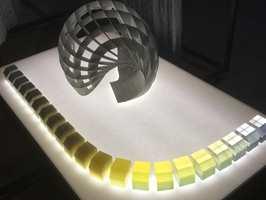 Spill med form og farge/grader av transparens.